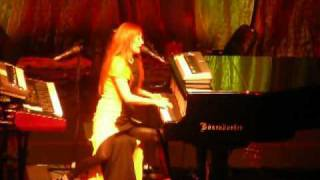 Tori Amos - Tear in your hand @ Count Basie Theatre NJ 08-14-2009