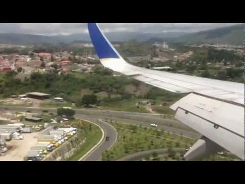Tegucigalpa, Honduras Airport Toncontin Landing