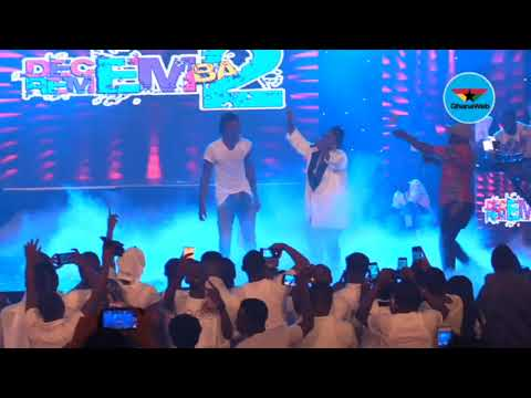 Stonebwoy performs with Lydia Forson at D2R 2018