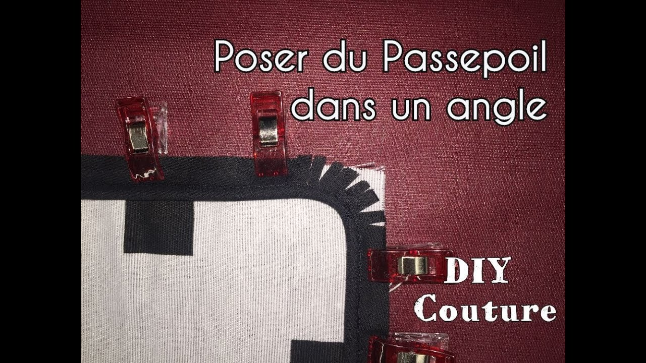 coudre du passepoil dans un angle tutoriel couture youtube. Black Bedroom Furniture Sets. Home Design Ideas