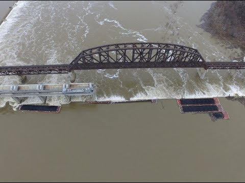 Barge crash on the Ohio river