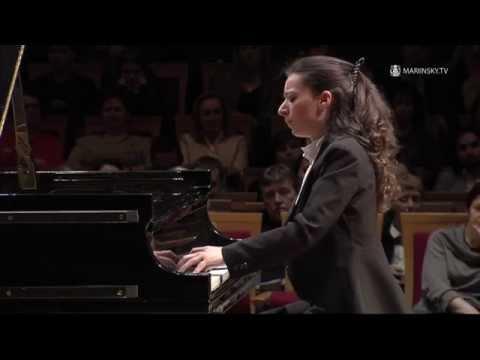 Yulianna Avdeeva - Franz Schubert Drei Klavierstücke D 946