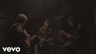 Nothing But Thieves - Lover, Please Stay (Live)