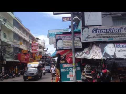 many girls walking along skaw beach and Chalermprakiat in Pattaya