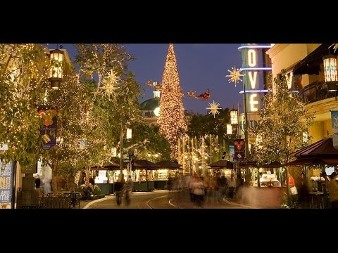 a walk around the grove at christmas time los angeles. Black Bedroom Furniture Sets. Home Design Ideas
