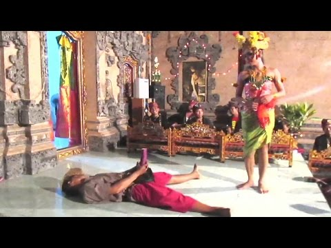 Joget BUMBUNG Bali SUPER LUCU - Balinese Dance 🔥 TERBARU ● Full HD
