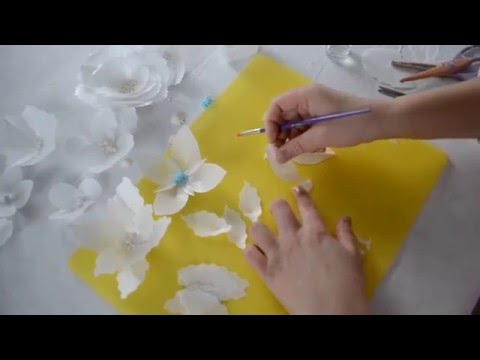 Wafer flowers for cake decorating, easy and fast.
