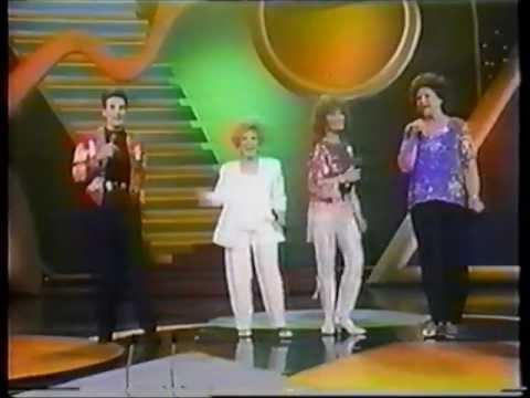 k.d.lang - Honky Tonk Angels Medley ( live...