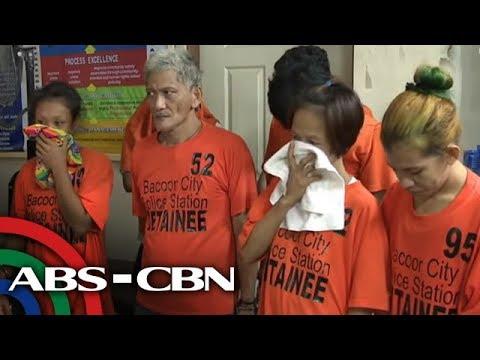 4 huli sa aktong nagdodroga sa Bacoor 'drug den' | TV Patrol