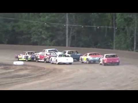 Hobby Stock Heat Race #1 at Mount Pleasant Speedway 08-19-16.