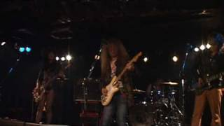 at EARTHDOM 12th Jan 2010 SONG:A Night Of The Shooting Star KEN:GUI...