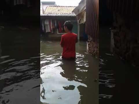 Banjir di Green Garden Kedoya Utara