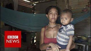 Begging for food in Venezuela - BBC News