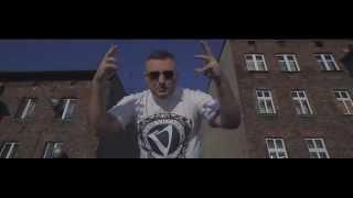 """Pih - W Strzępach Parasol feat. Chada (prod. Tomasz """"Teka"""" Kucharski) OFFICIAL VIDEO Kino Nocne"""