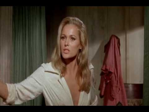 4 for Texas, Ursula Andress and Dean Martin, bedroom discussion on submission.