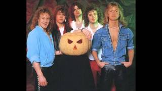 Helloween - Initiation/ I'm Alive