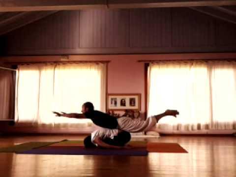 Yoga En Pareja Posturas Videos E Imagenes En Pdf