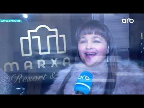 Meshur hind mugennisi Alisha Chinai Azerbaycanda