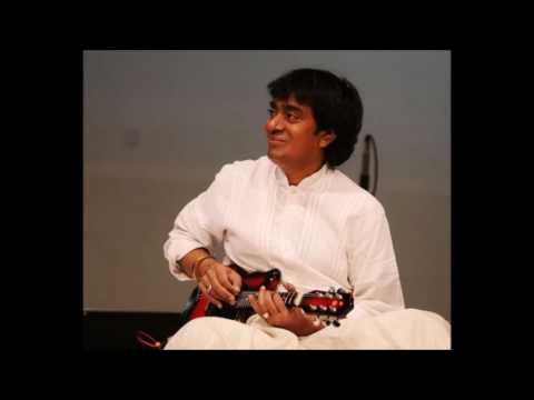 Mandolin Srinivas rare Viriboni Varnam played in Thisram