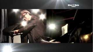 http://www.bluenote.co.jp/jp/artist/senri-oe/ ジャズピアニストとし...