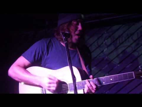 Matt Corby - 'Runaway' (Live at Notting Hill Arts Club, London - 02.09.2012)