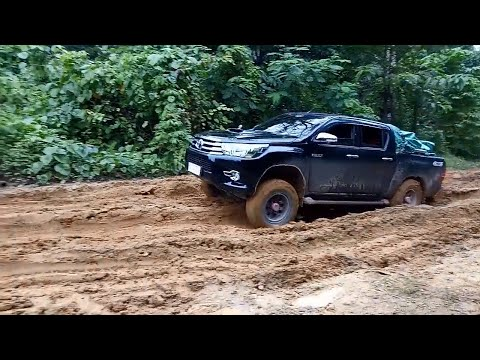 Toyota Hilux Double Cab In Mud Road - Extreme Paths 4x4 In Mud Road