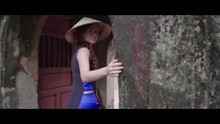 Mia in Hue, Vietnam (Bao Quoc Temple).