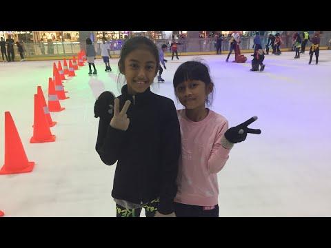 Seru Seruan Bareng Mecca: French Fries Challenge, Naik Bianglala, Main Ice Skating &  Ke Playground
