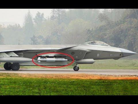 迎敌亮剑!终于明白歼20开弹仓是为了什么,中国技术不比F22差