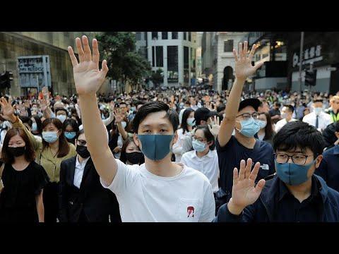 الصين تتهم بريطانيا -بصب الزيت على النار- بعد الاعتداء على وزيرة في حكومة هونغ كونغ …  - نشر قبل 2 ساعة