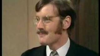 Monty Python - The man who is alternately rude and polite thumbnail