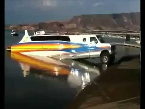 سيارة تتحول الى قارب في ثواني السيارة البرمائية