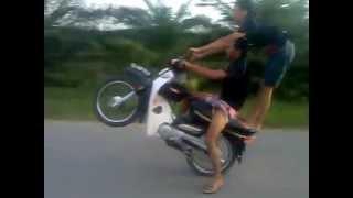 freestyle motor boy smash