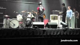 8 Year Old Jonah Rocks Jamming with SUM 41 during the Soundcheck