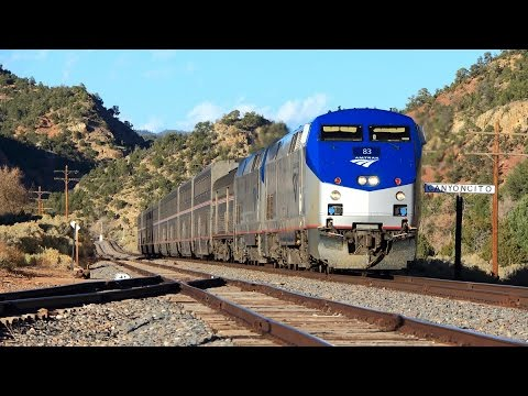 Amtrak's Southwest Chief in Canyoncito, NM w/ Horn Show - 11/8/15