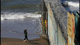 Thieves Steal Us Border Fence Barbed Wire And Use It To Secure Homes In Mexico