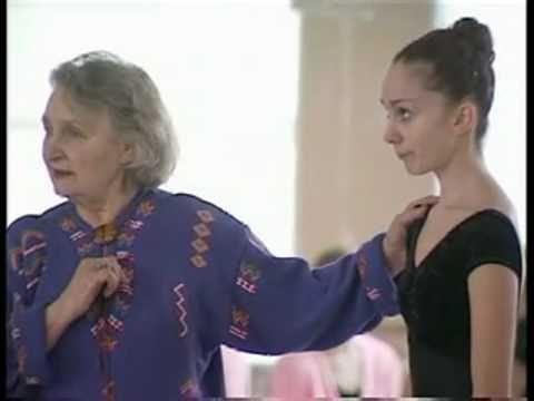2/4 Dance lesson - Perm Ballet School documentary
