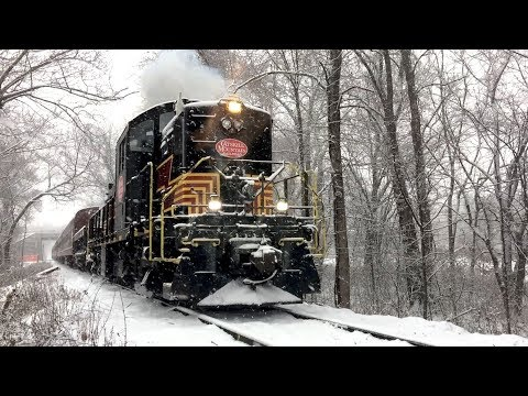 Ulster & Delaware Railroad - Mile Post 3.7 to Mile Post 6.5 - Polar Express - (12/10/17)
