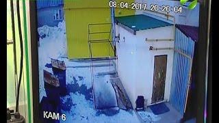 видео Молодой человек, пройдите в отделение до выяснения