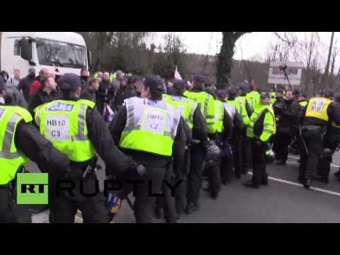 UK: Violence erupts at National Front and far-right march in Dover, arrests made