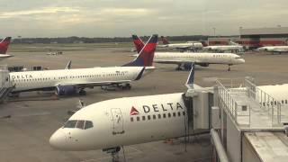 """デルタ航空ラウンジ""""スカイクラブ""""@ハーツフィールド・ジャクソン・アトランタ国際空港"""