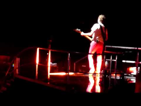 Undone Sweater Song Riff - Muse @ RBC Center, Raleigh, NC - 10/26/2010 HD