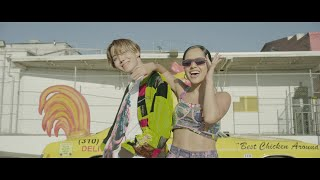 Gambar cover j-hope 'Chicken Noodle Soup (feat. Becky G)' MV