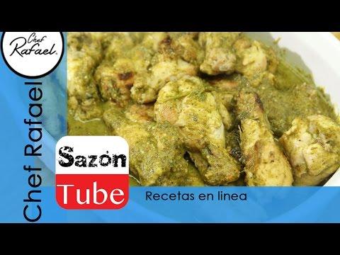Muslitos de pollo en salsa de tomatillo verde