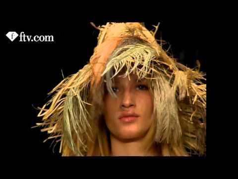 DOLCE & GABBANA FW MILAN WOMEN 2006 | FTV.com