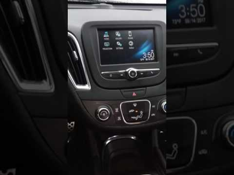 Back up camera demo on 2016 Chevrolet Malibu