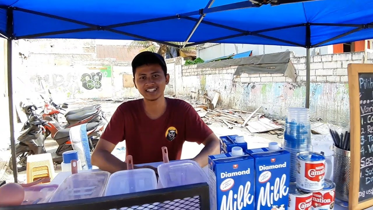 HARGA 5 RIBU !! SALUT SEMANGAT REZA BERJUALAN ES COFFEE DALGONA VIRAL - INDONESIAN STREET FOOD