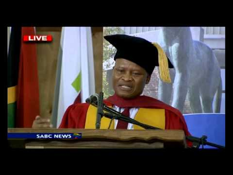 Mogoeng Mogoeng honoured with an honorary Doctorate