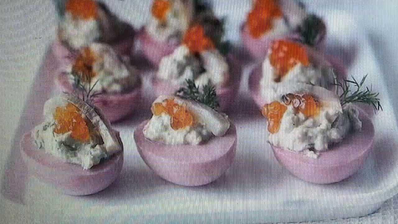 Яйца,фаршированные сельдью