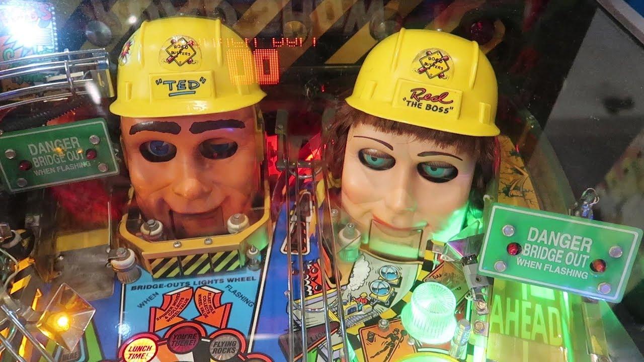 we-found-the-weirdest-pinball-machine-at-free-play-florida-pinball-arcade-games-consoles